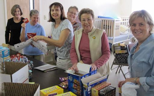 Women doing volunteer work together